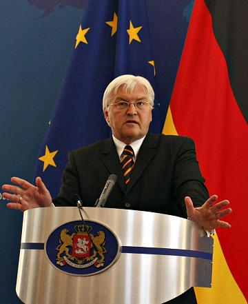 Глава МИД Германии Франк-Вальтер Штайнмайер с новым планом урегулирования